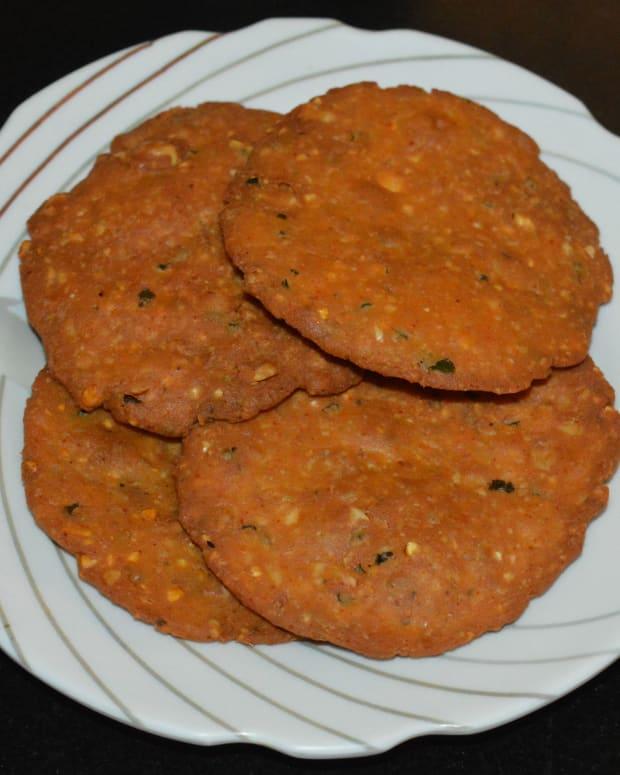 how-to-make-nippattu-deep-fried-rice-crackers