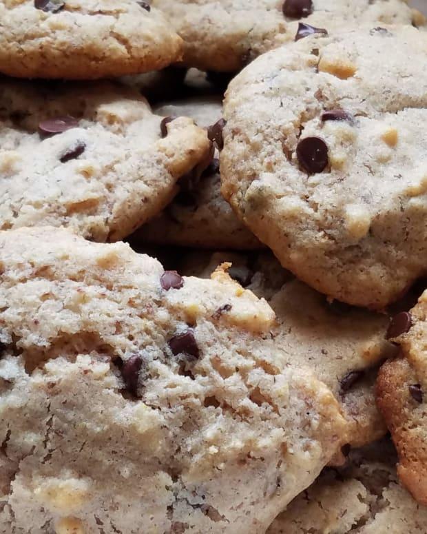gluten-free-maple-walnut-chocolate-chip-cookies