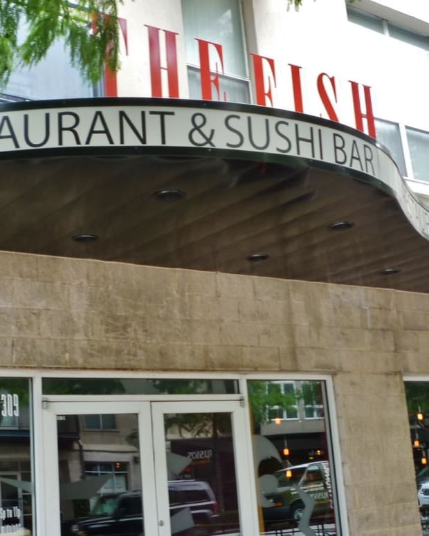 the-fish-restaurant-sushi-bar-in-midtown-of-houston
