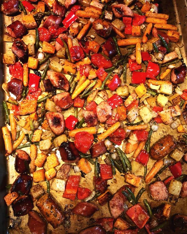 Sheet pan veggies & sausage