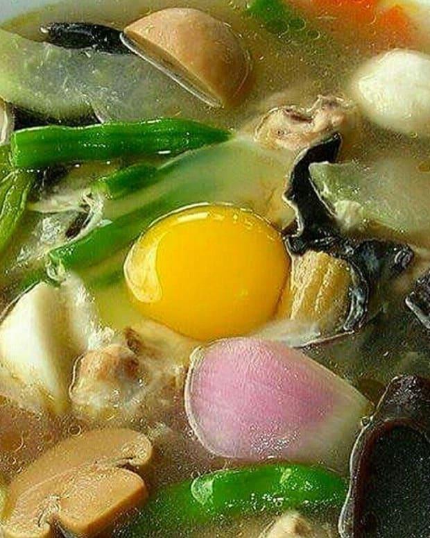 hototay-philippine-style-wor-won-ton-soup
