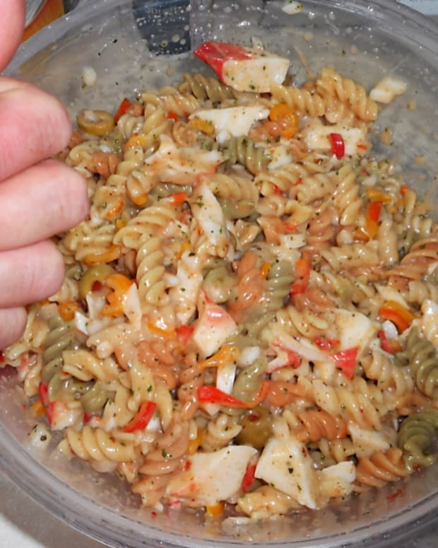 minnesota-cooking-tangy-pasta-salad-with-crab