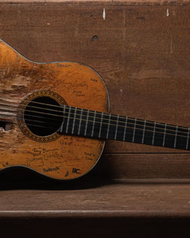 make-our-cheap-acoustic-guitar-sound-expensive-on-the-cheap