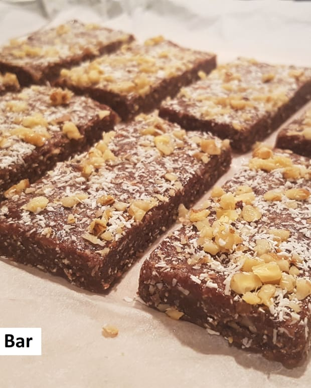 chocolate-coconut-walnut-no-bake-protein-bar-recipe