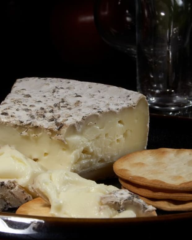 exploring-brie-a-cheese-rich-in-flavor-and-history