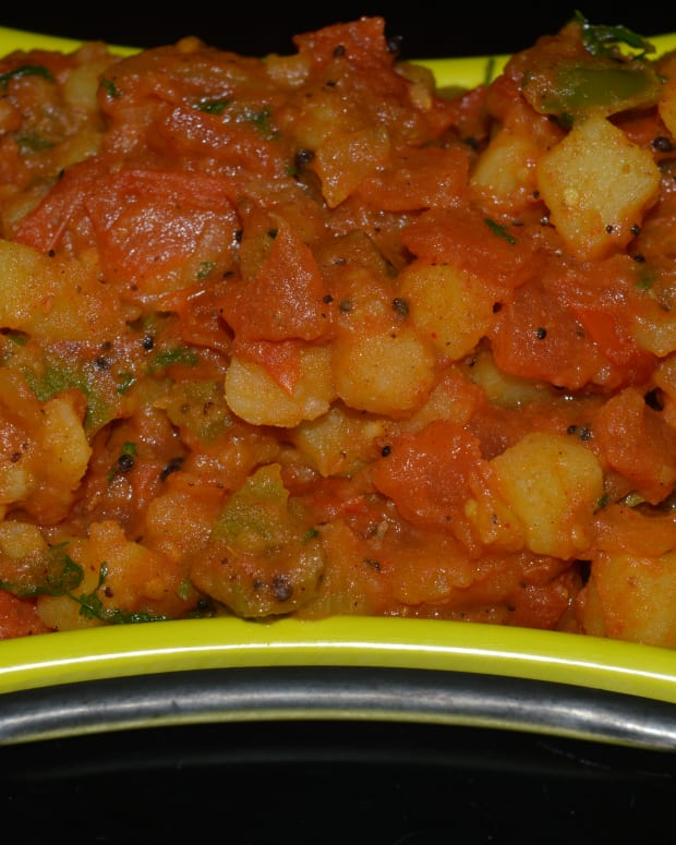 healthy-recipes-potato-tomato-and-capsicum-spicy-dry-curry-recipe