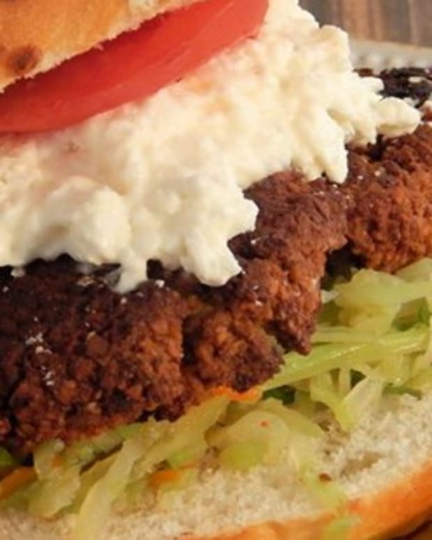 how-to-make-delicious-vegetarian-nut-burgers