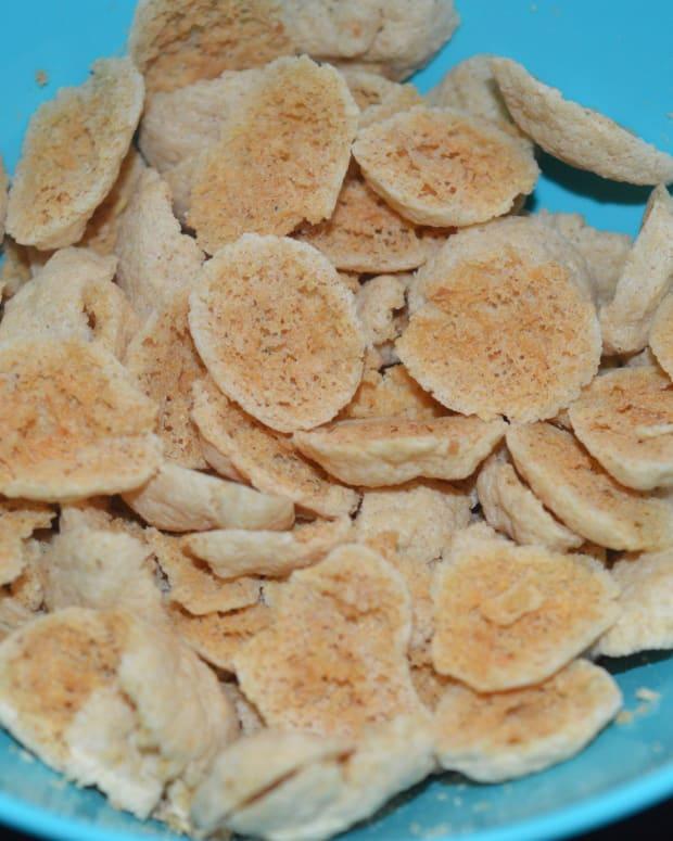 making-sun-dried-ash-gourd-lentil-fritters-kumbalakai-shandige