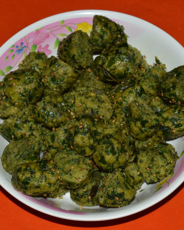 how-to-make-spinach-and-fenugreek-leaves-muthiyasteamed-dumplings