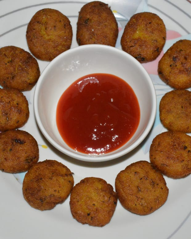 gram-flour-and-semolina-snacks-recipe