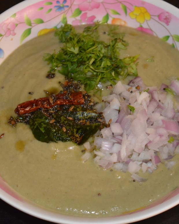 easy-recipe-to-make-long-green-eggplant-brinjal-yogurt-curry-or-raita