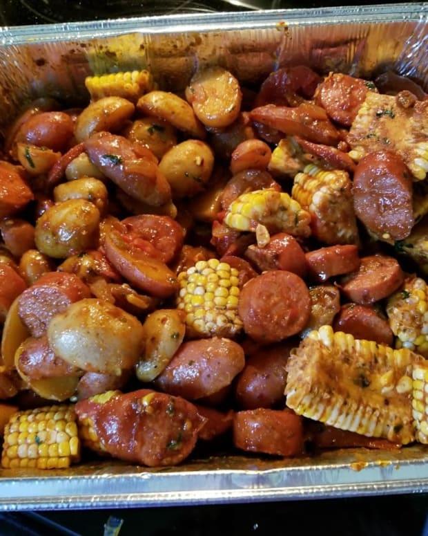 spicy-shrimp-corn-sausage-and-potatoes-recipe