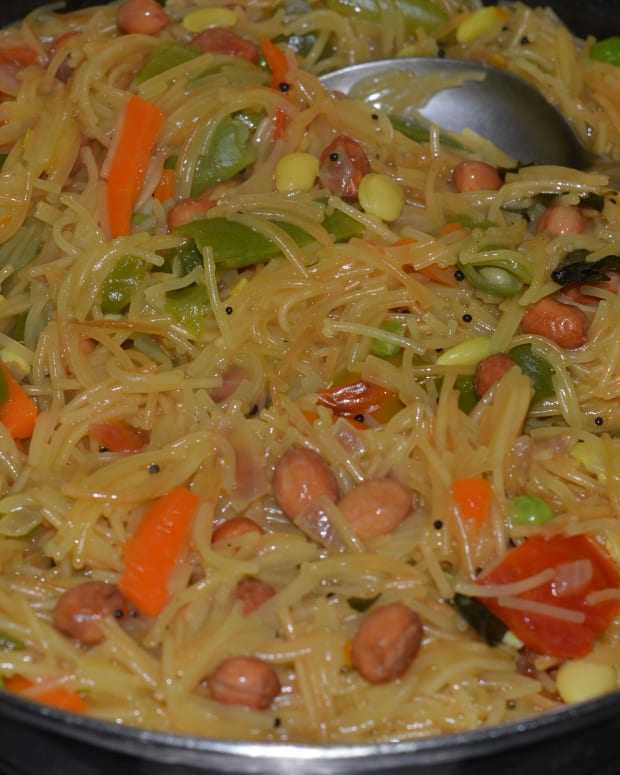 how-to-make-wheat-vermicelli-and-vegetables-upma