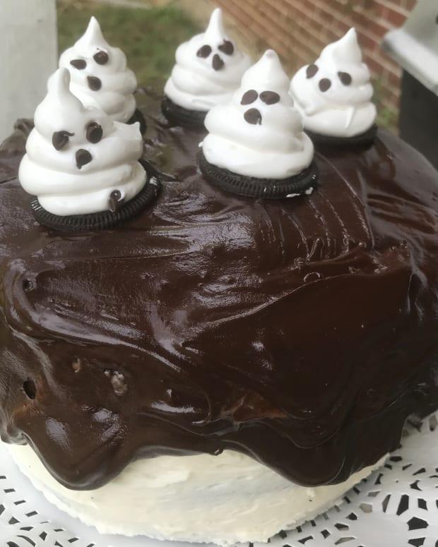 black-velvet-cake