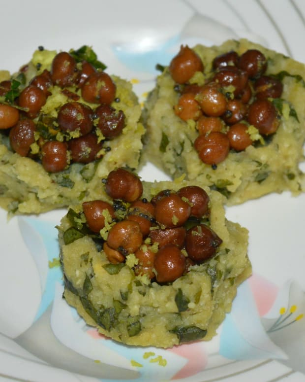 steamed-lentil-fenugreek-baskets-with-black-chickpea-salad