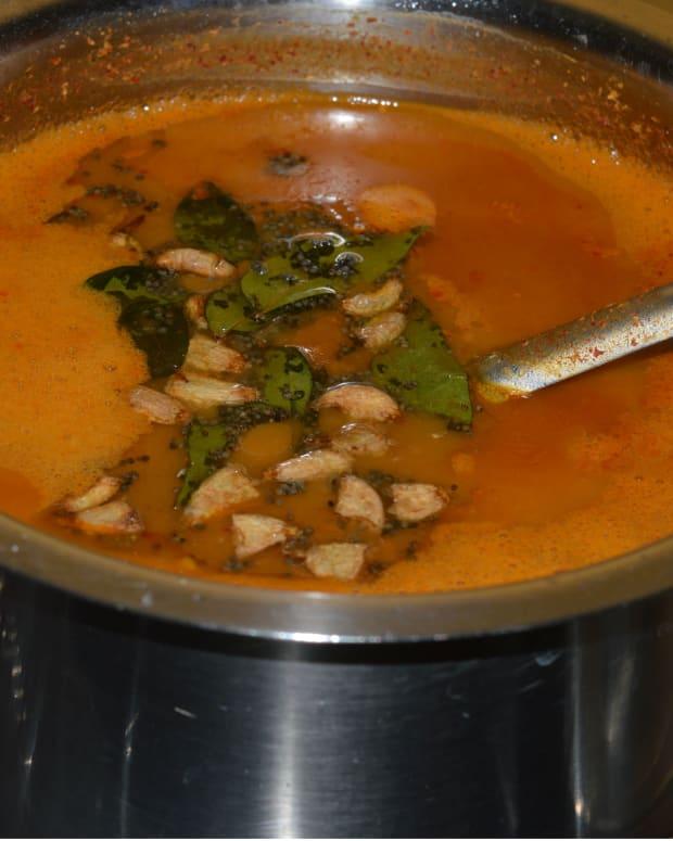 how-to-make-huruli-saru-or-horse-gram-rasam
