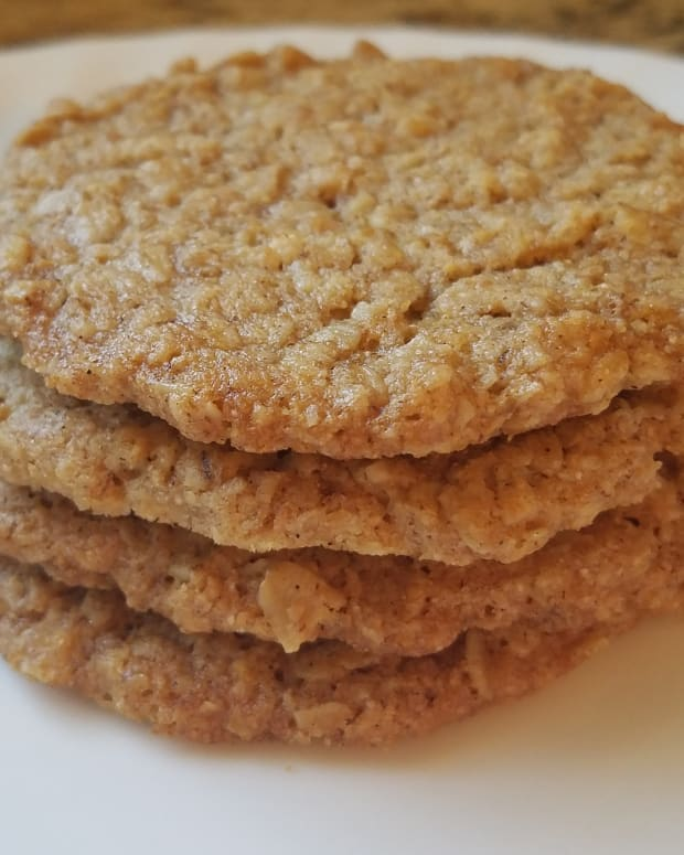 milk-and-egg-free-crispy-oatmeal-cookies