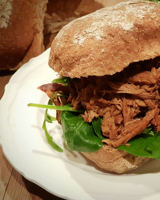 pulled-pork-recipe-slow-cooker-bbq-sauce