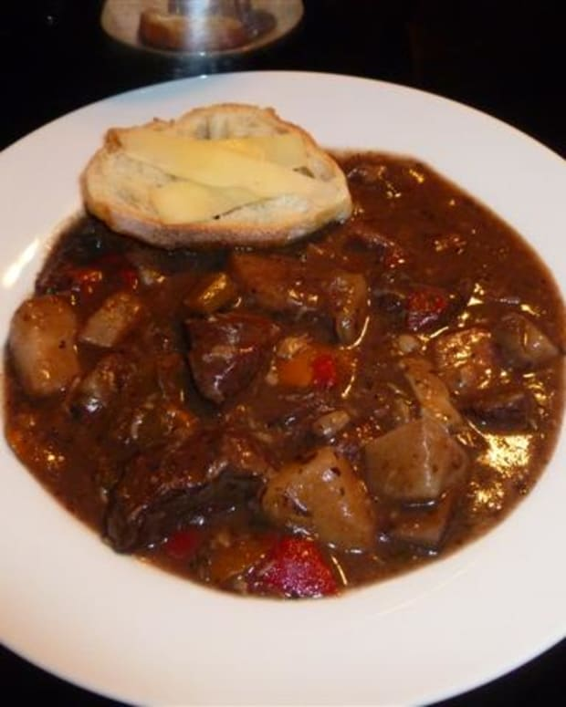 savory-sirloin-and-roasted-garlic-stew