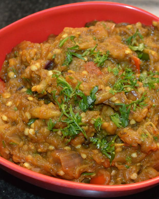 how-to-make-punjabi-baingan-bharta-eggplant-curry