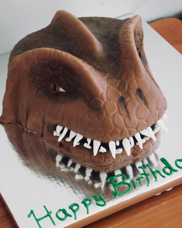 how-to-make-a-t-rex-cake