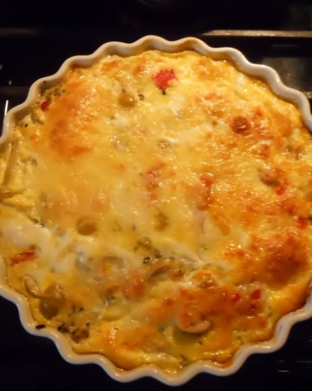 aunt-dollys-everything-quiche