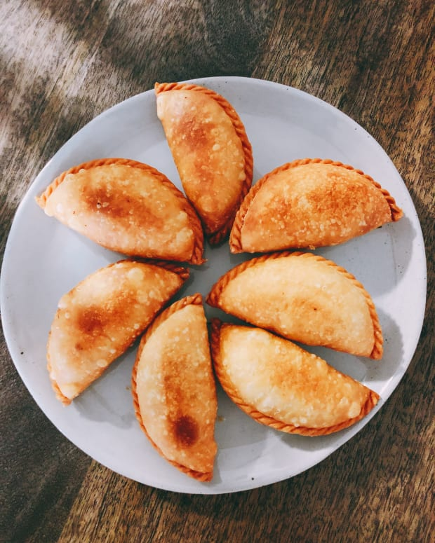how-to-make-malaysians-favorite-snack-kuih-karipap