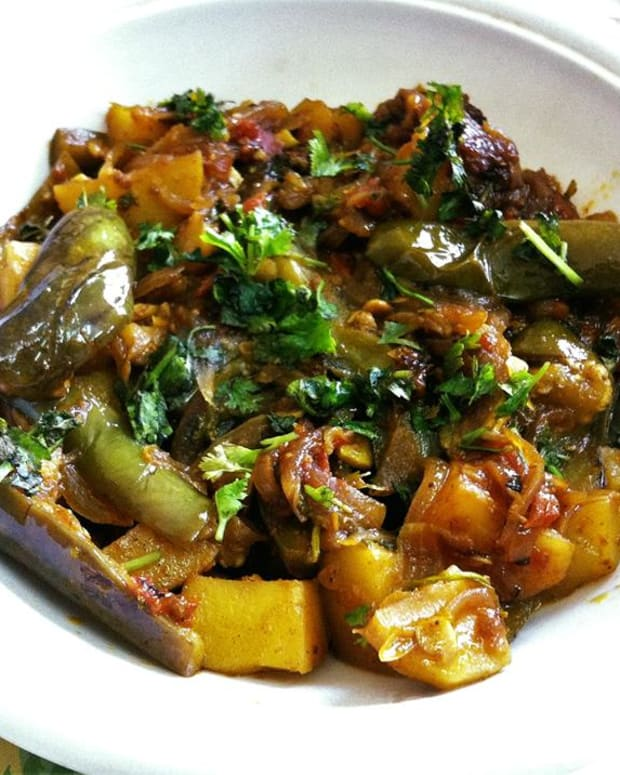 aloo-baingan-sabzi-potato-and-eggplant-vegetable-recipe