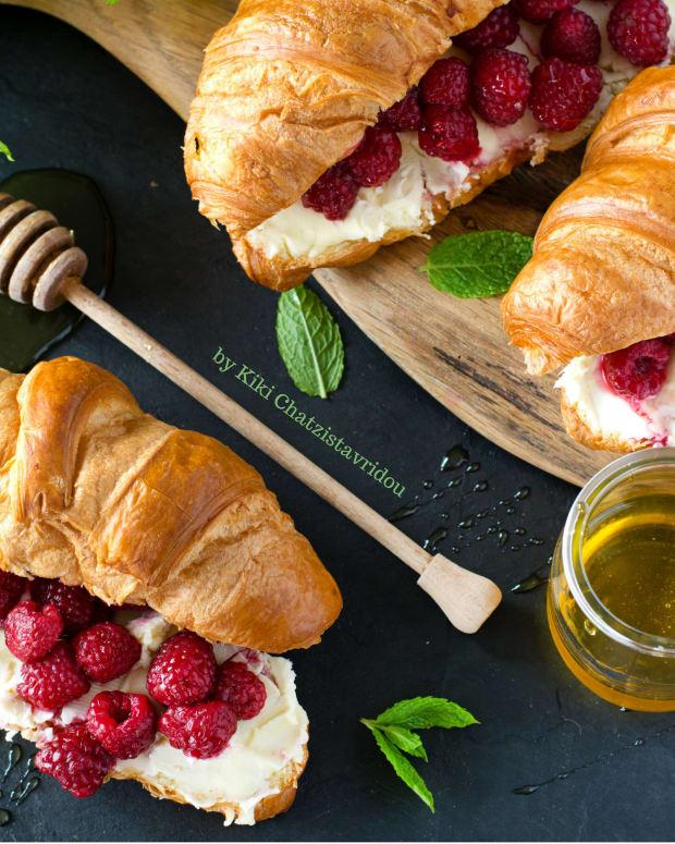 single-serving-croissant-mascarpone-berry-recipe