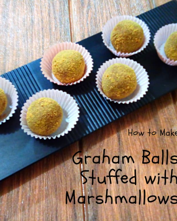 how-to-make-graham-balls-stuffed-with-marshmallows