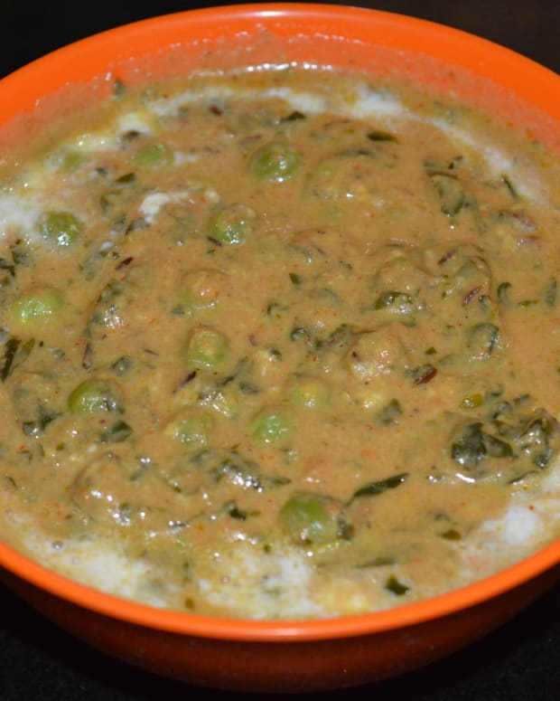 how-to-make-methi-matar-malai-or-fenugreek-leaves-and-green-peas-creamy-curry