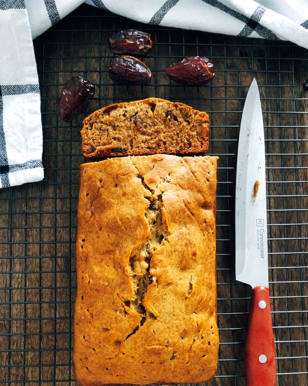 easy-homemade-healthy-dates-bread