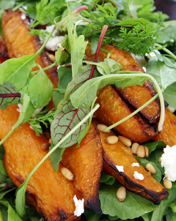 easy-vegetarian-butternut-goats-cheese-rocket-pine-nut-salad