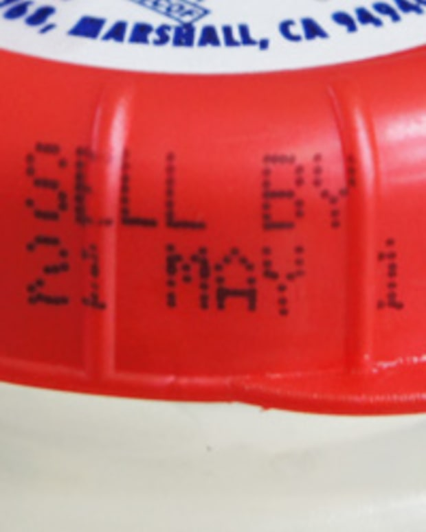 foods-you-can-eat-after-their-expiration-dates
