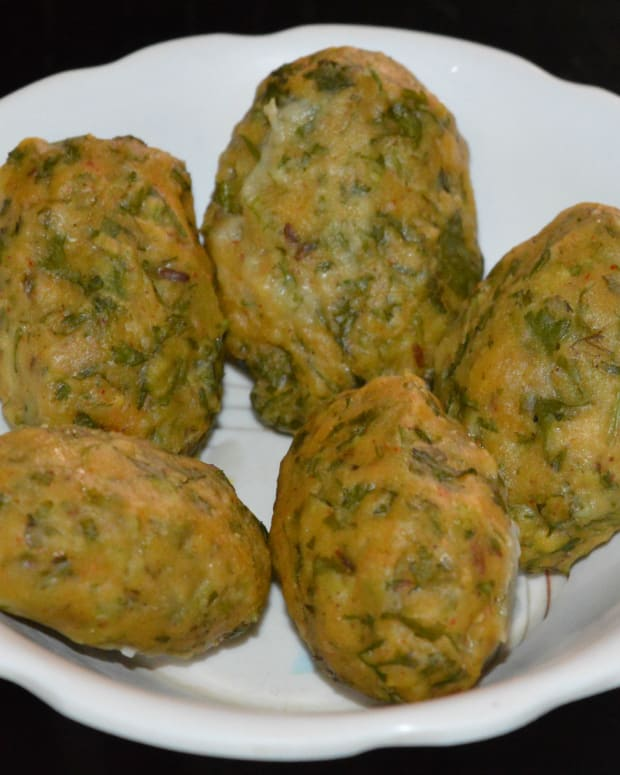how-to-make-steamed-coriander-chickpea-flour-balls
