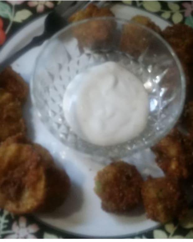 cross-cut-dill-pickles-deep-fried