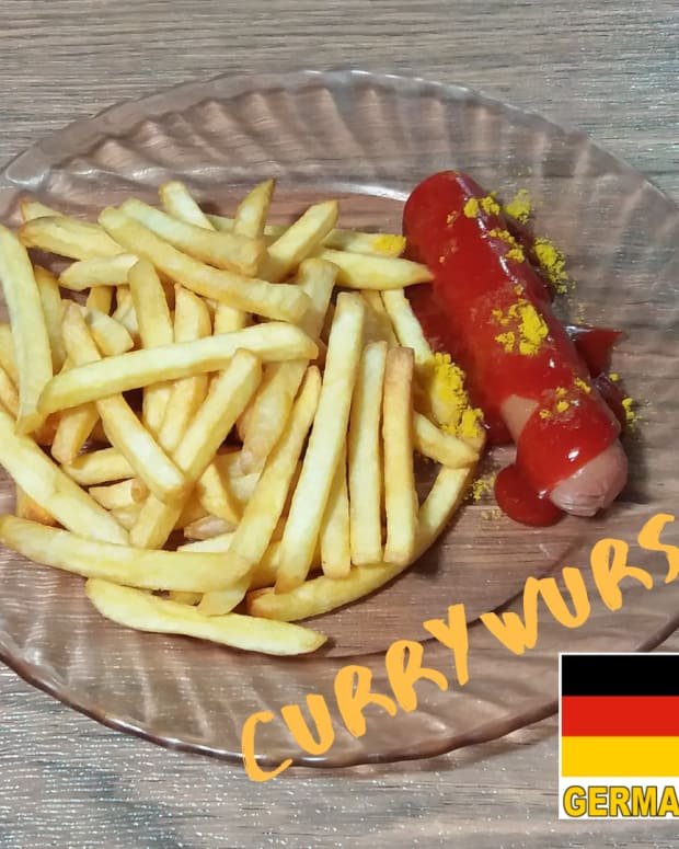how-to-cook-currywurst-a-german-inspired-fast-food-dish