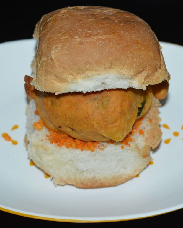 indian-street-food-how-to-make-mumbai-vada-pav