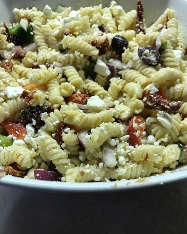the-best-greek-pasta-salad