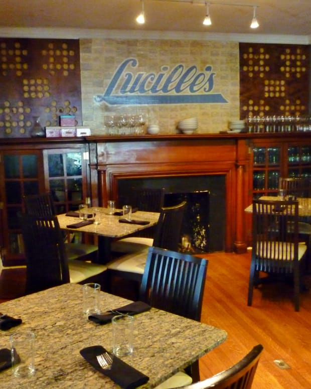 lucilles-best-southern-restaurant-award-in-houston