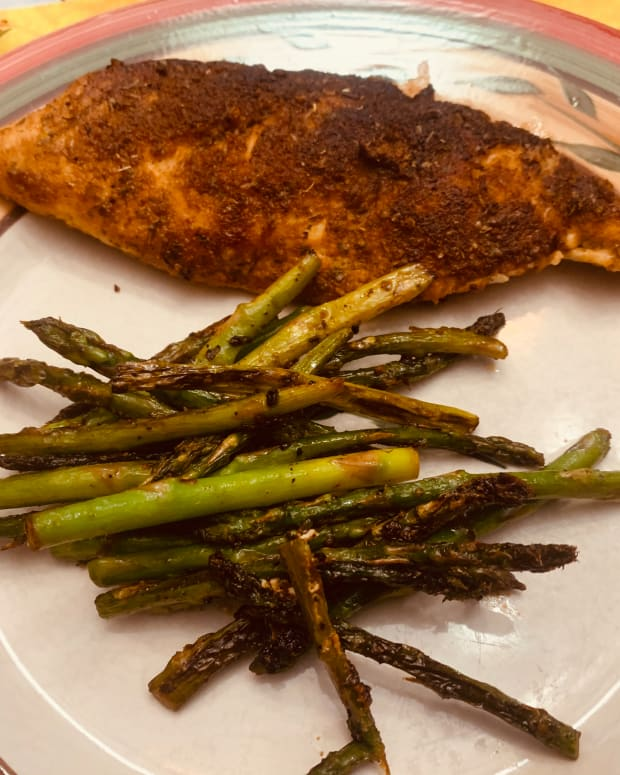 cajun-crusted-chicken-asparagus