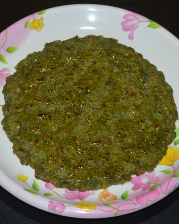 how-to-make-green-masala-jowar-roti-green-spicy-jowar-pancake