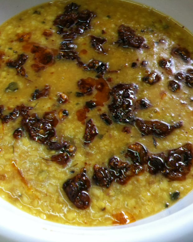 punjabi-urad-dal-tadka-recipe-tempered-white-lentils