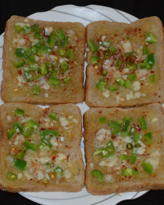 how-to-make-capsicum-cheese-toast-15-minutes