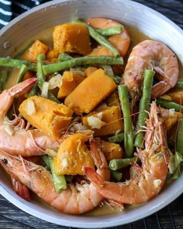 ginataang-hipon-filipino-coconut-milk-prawns