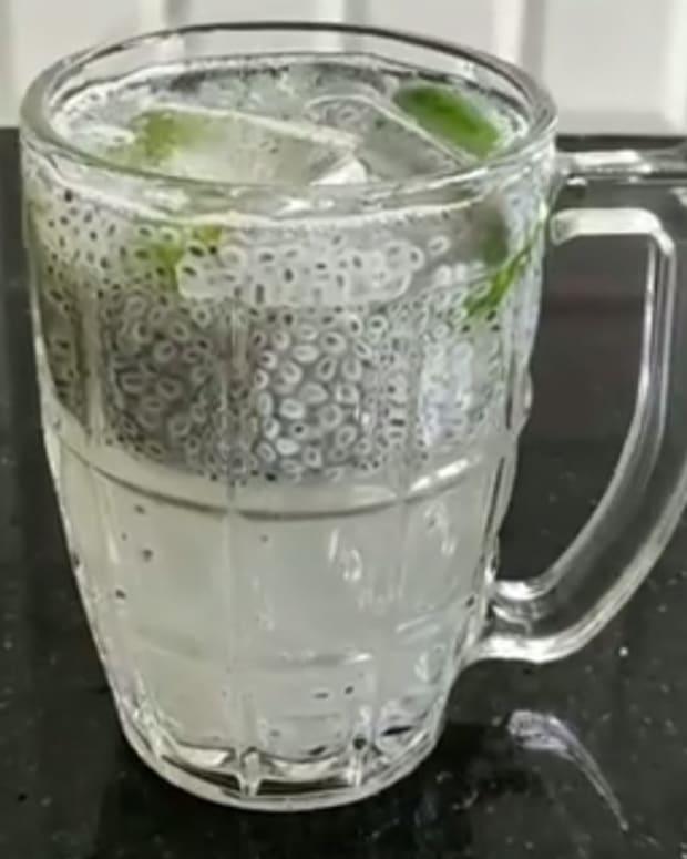 cool-and-refreshing-kulukki-sarbath-kerala-style-lemon-drink-recipe