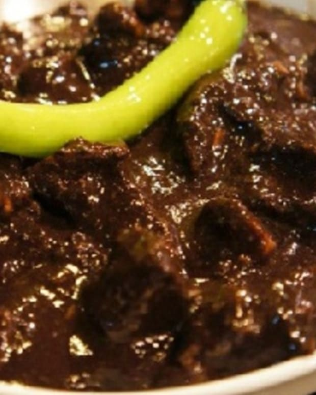 dinuguan-filipino-pork-blood-stew