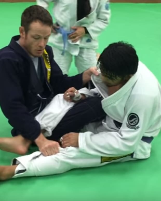 passing-5050-guard-for-bjj-and-taking-the-back