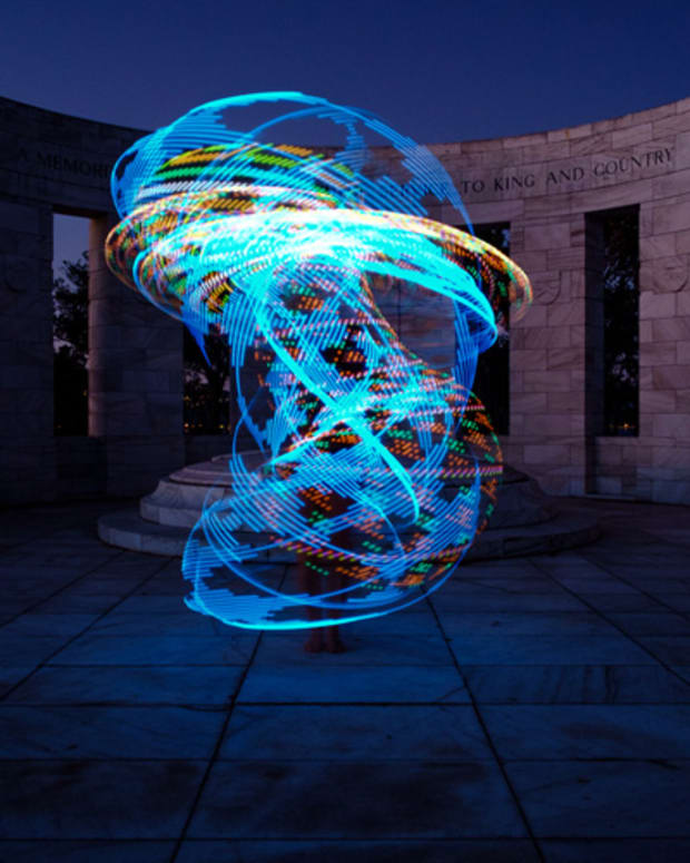 light-show-using-a-lighted-hoop