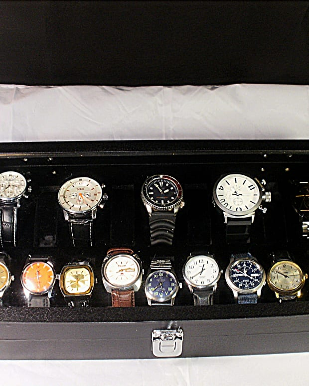 review-of-the-diplomat-31-586-watch-display-case